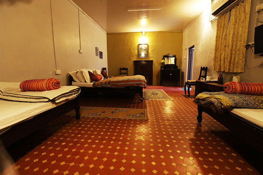 lluxury-hotels-in-mount-abu